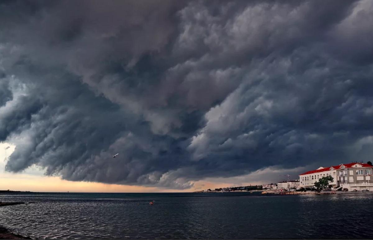 море с плохой погодой картинка извращенец оттрахал