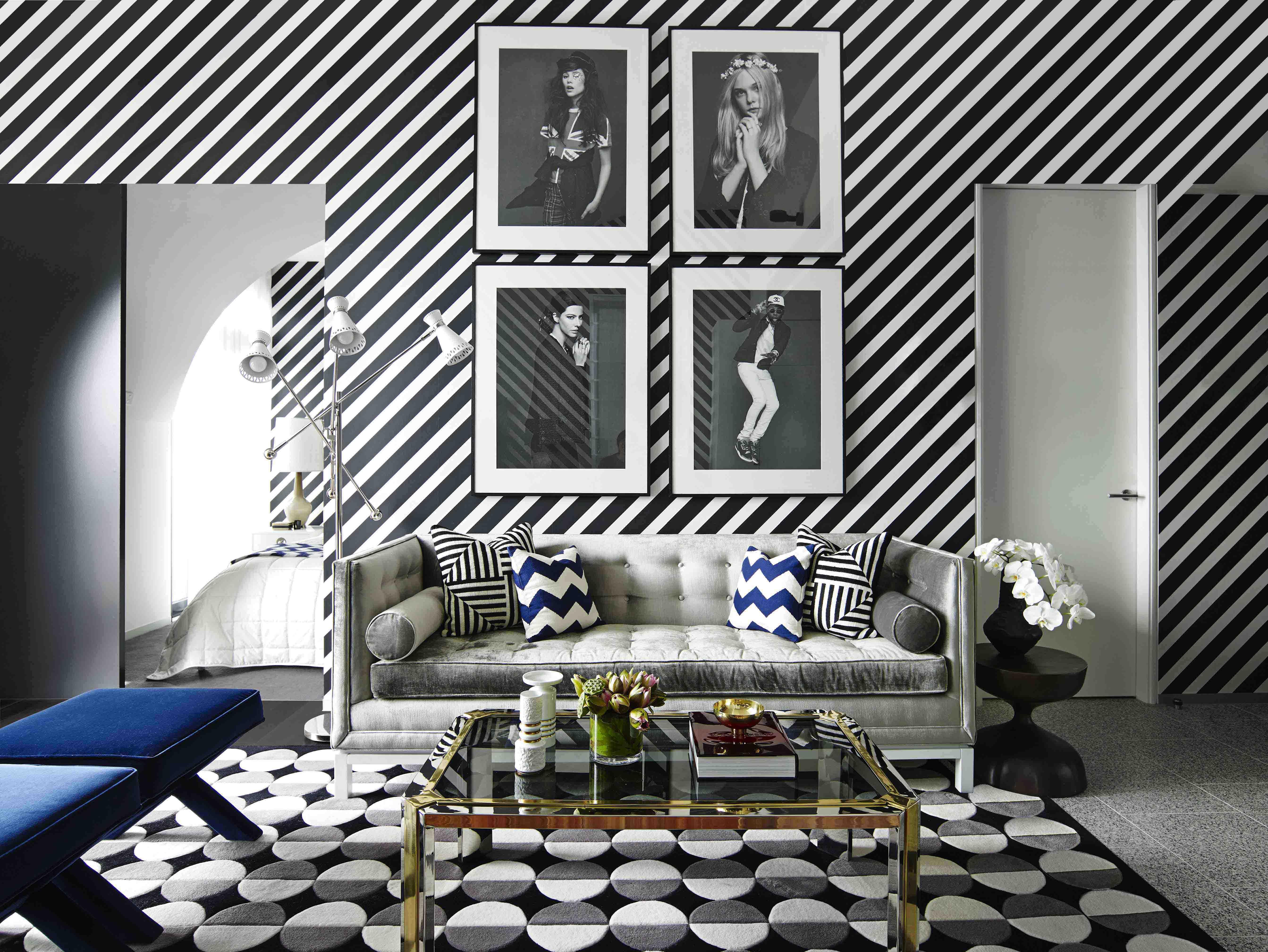 дизайн комнат стены в полоску фото сегодня самыми популярными