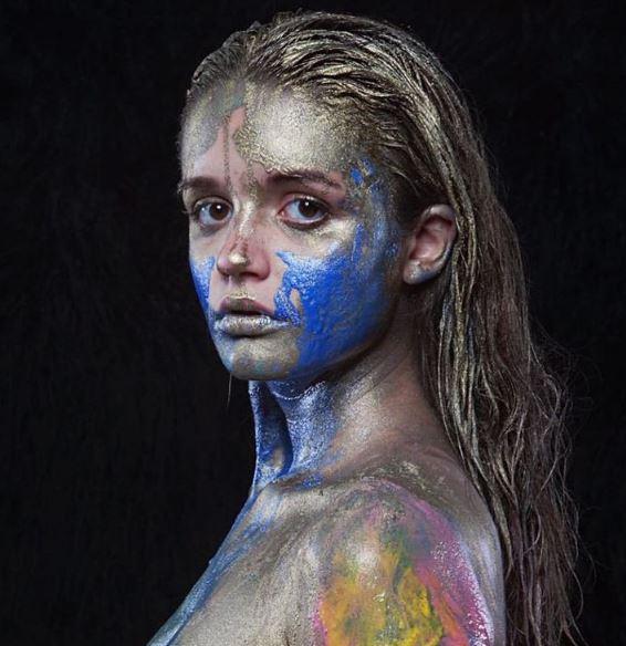 Дочь певицы Славы снялась полностью обнаженной в откровенной фотосессии