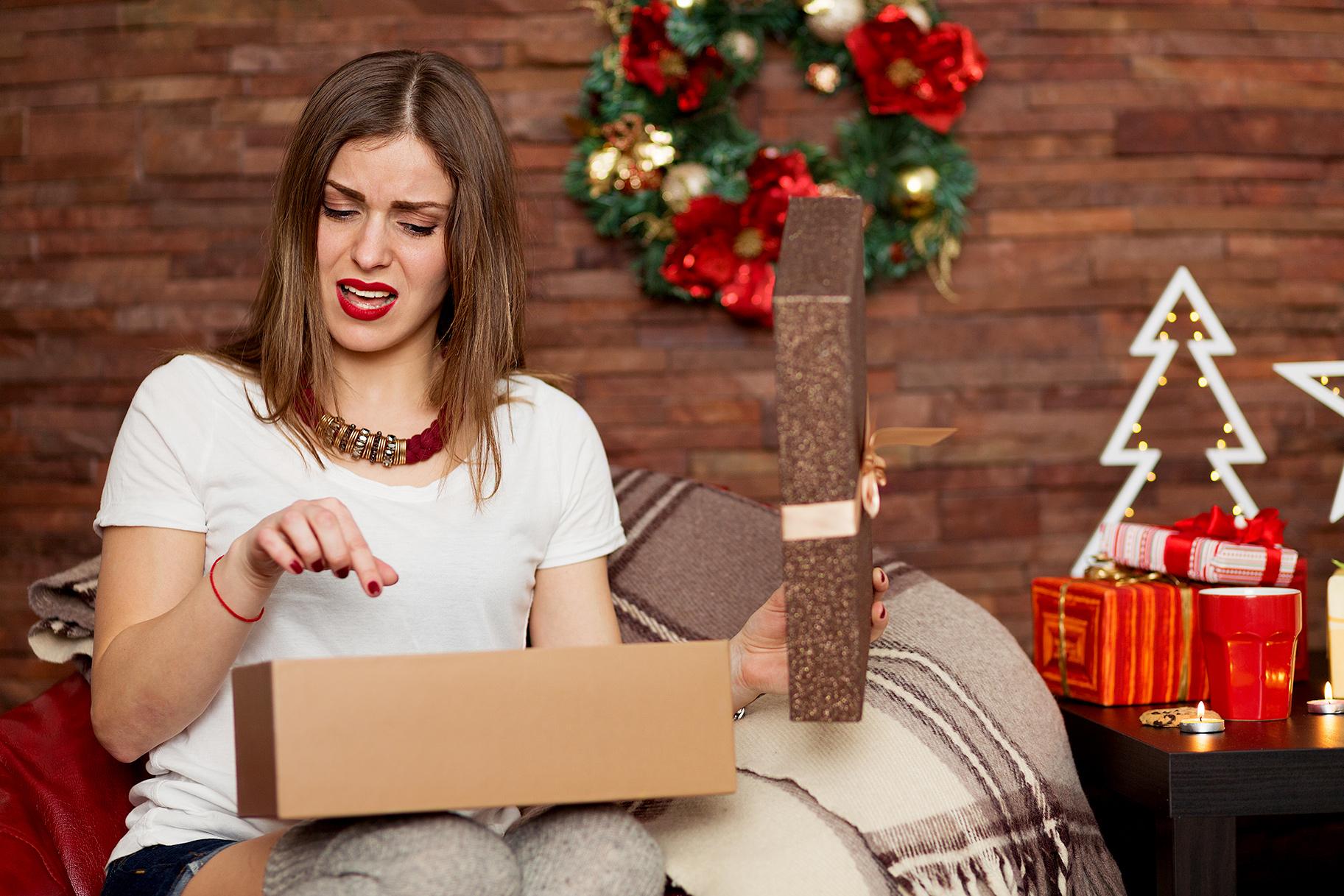 неудачные подарки фото используют перчатки плотного