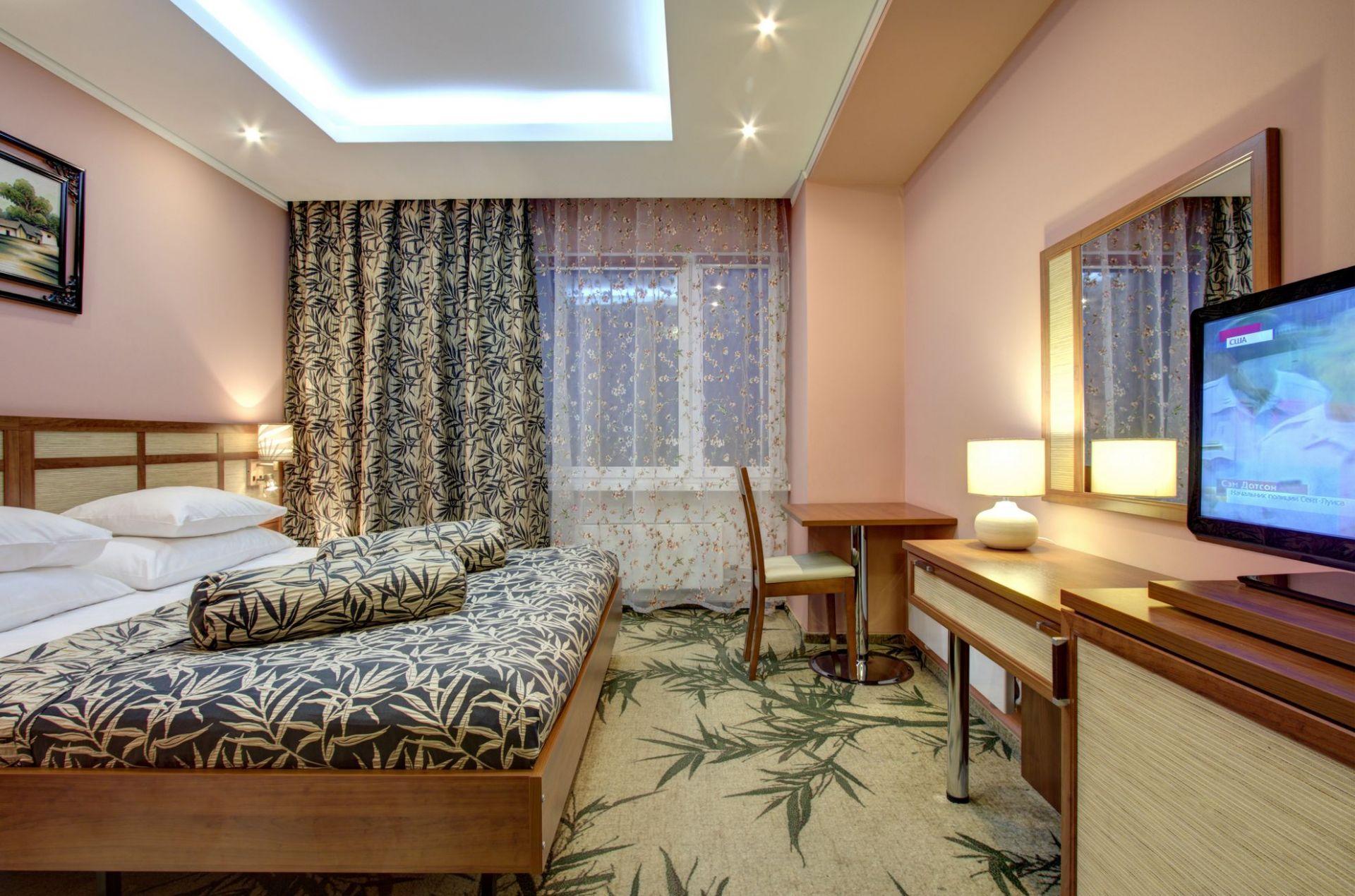 картинка гостиничного комплекса свет окнах