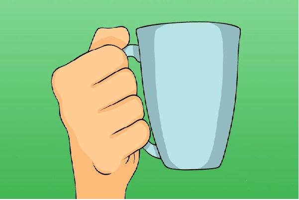 Характер_по_манере_держать_чашку_какой_характер_у_человека_как_он_держит_в_руках_чашку_обхватывает_ручку_всеми_пальцами_как_будто_кулак