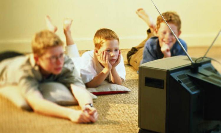 Ученые: просмотр телевизора понижает интеллектуальные способности