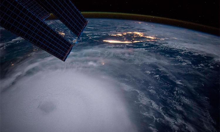 Падение космического обломка ожидают уШри-Ланки