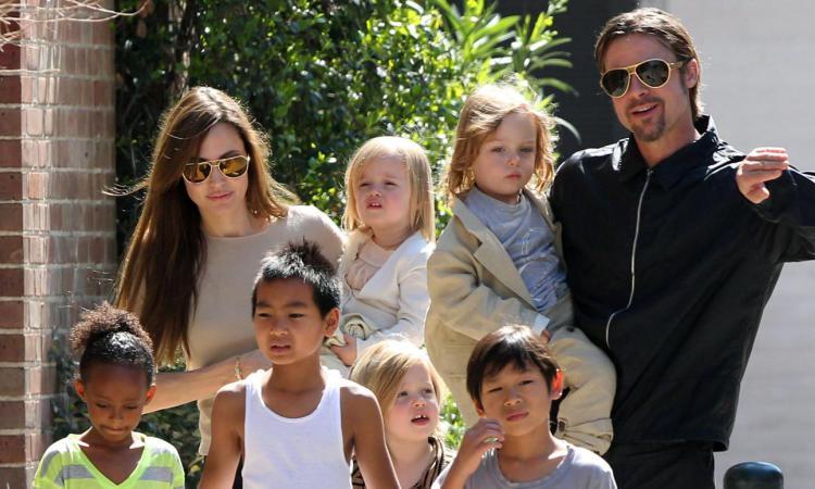 СМИ Анджелина Джоли и Брэд Питт разводятся