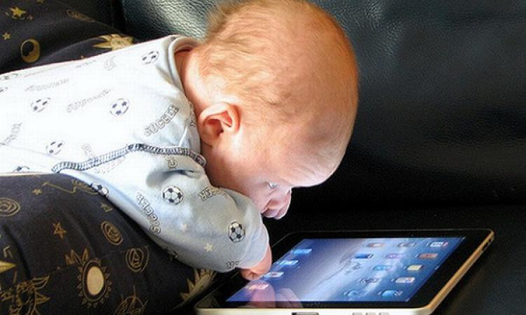 Ученые мобильные телефоны вызывают удетей косоглазие