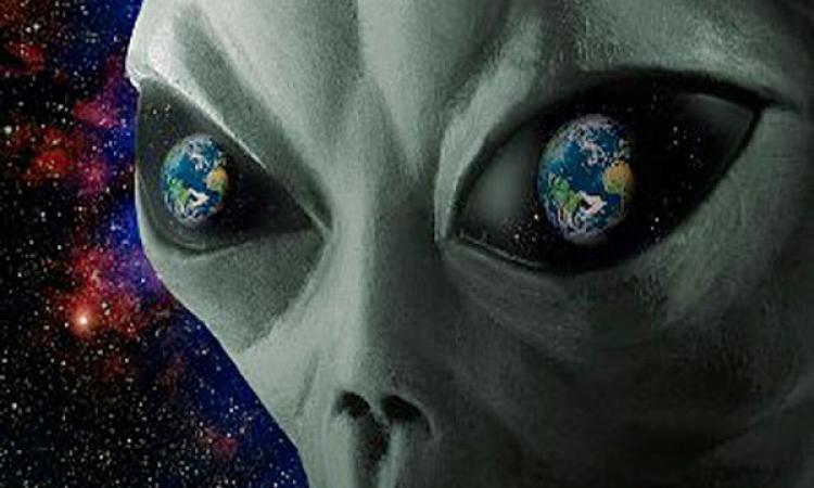 Уфолог запечатлел огромный НЛО рядом сСолнцем