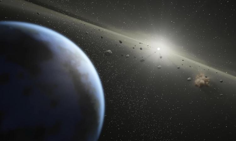 Хеллоуинский астероид может уничтожить Луну- британские ученые