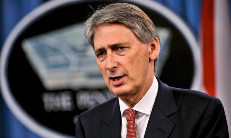 Руководитель МИД Великобритании порекомендовал нерасхваливать В. Путина заСирию