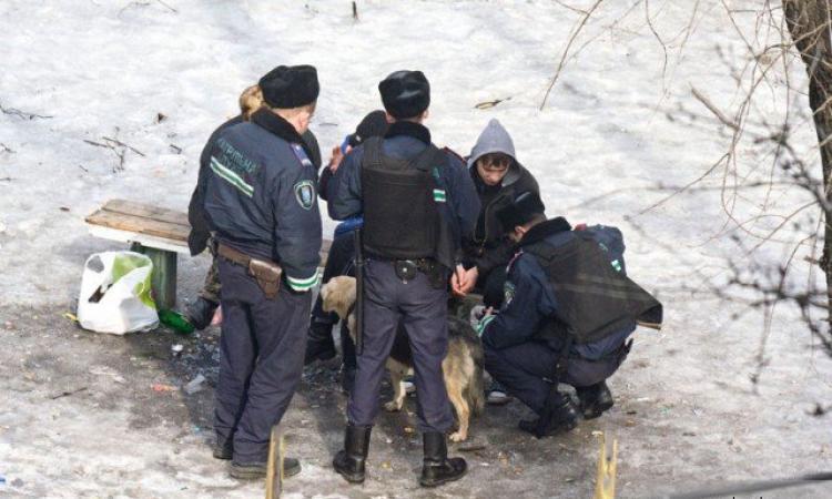Приезжие из Узбекистана пытались снять скальп с москвича во дворе дома