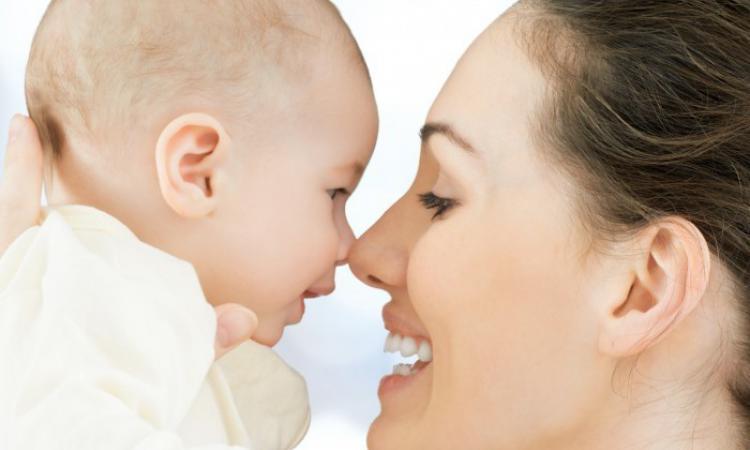 Ученые Рождение ребенка снижает риск развития рака яичников на 40