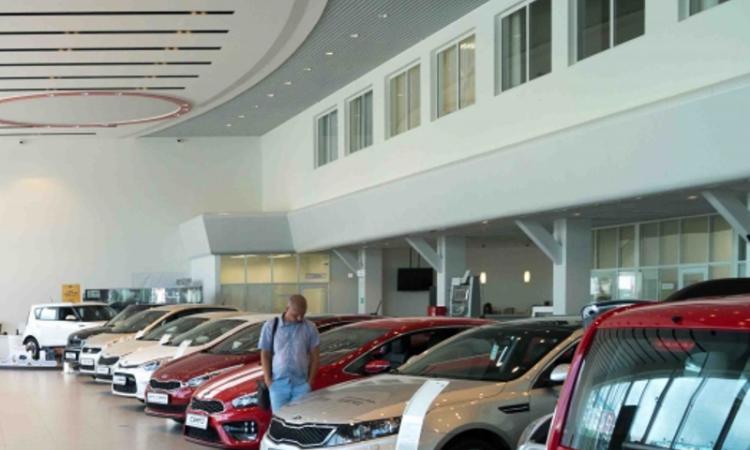 Названы самые дешевые автомобили России в январе