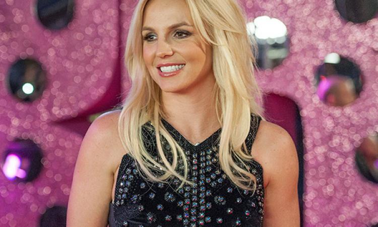 Бритни Спирс упала насцене вЛас-Вегасе