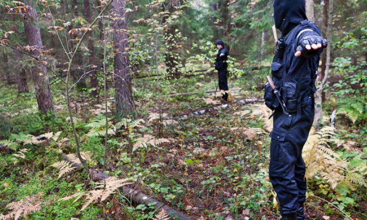 Не ходите девки в лес,там путинский стабилизец:  В Подмосковье найдено обезглавленное тело женщины, закованной в наручники