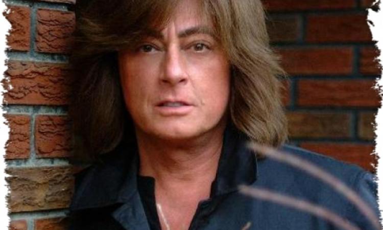 Экс- вокалист Deep Purple в очередной раз плюнет на санкции и выступит в Крыму