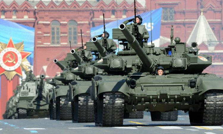 http://www.u-f.ru/sites/default/files/imagecache/750x450/news/4_may_2015_-_1933/1368156402_130509094918_tanks_red_square_976x549_afp.jpg