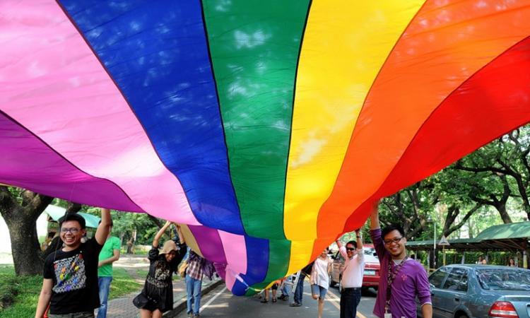 Что в случае нарушения их законных прав, представители секс-меньшинств