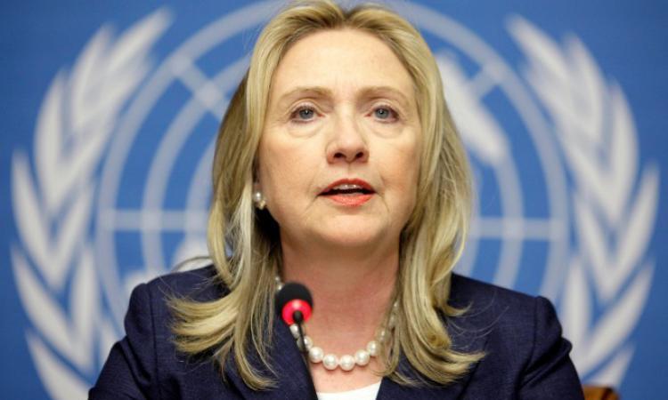 Хиллари Клинтон назвала законным использование своей личной почты — Российская газета