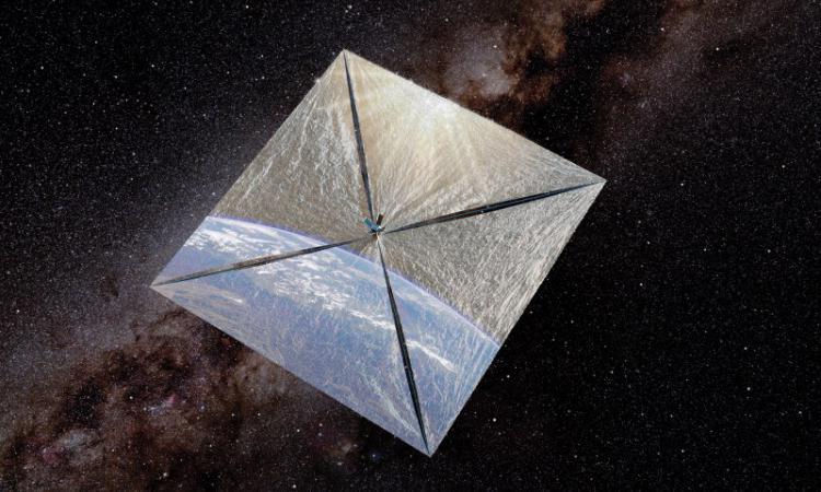 Космический спутник Light Sail восстановил связь и развернул паруса