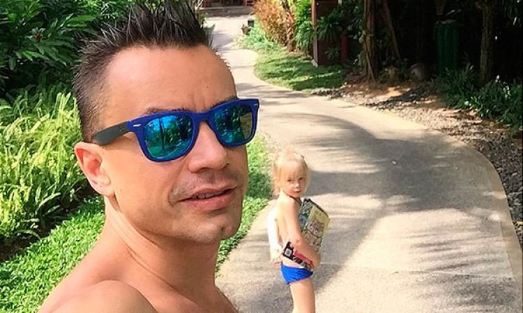 Певец Алексей Серов объявил бывшую жену идочку врозыск