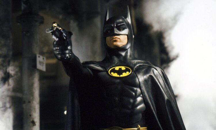 Бэтмен против Супермена получил разгромную критику