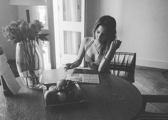 18-летняя фигуристка Юлия Липницкая потрясла своих поклонников серией откровенных снимков