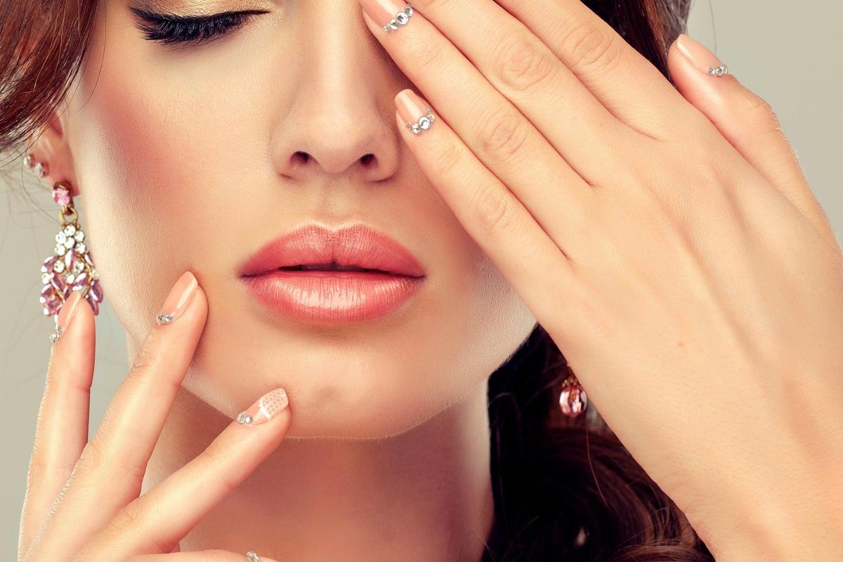 Самые красивые картинки с руками ногтей
