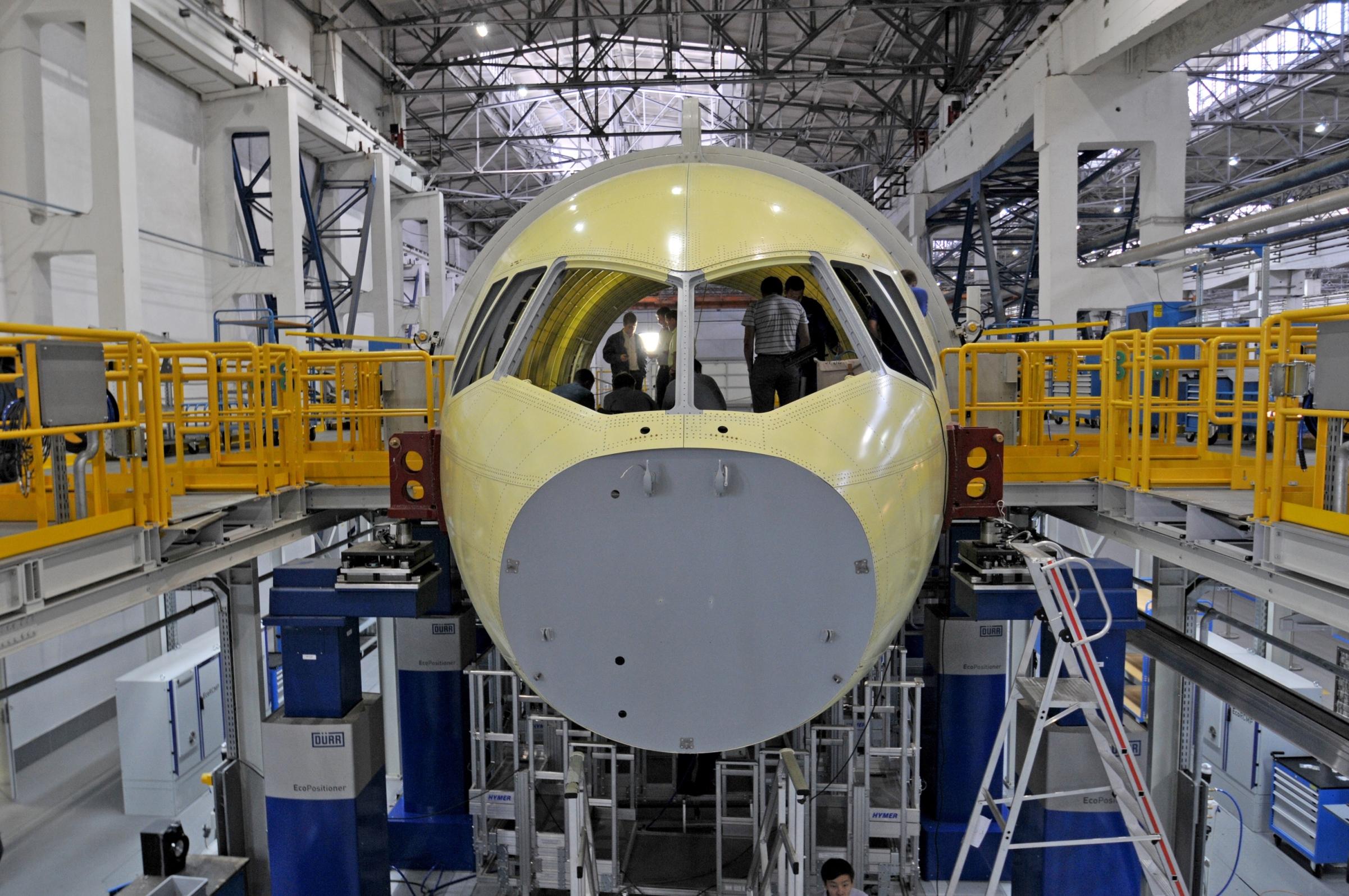 Дмитрий Медведев посетил презентацию самолета МС-21-300 в Иркутске