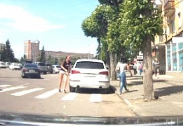 VIP-автоледи на Аudi Q5 избила девушку-пешехода в Рязани