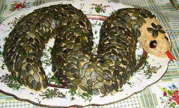 Салат в виде змеи рецепт с фото