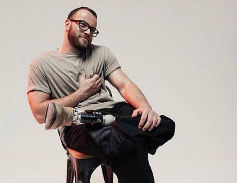 Спортсмен на протезе поставил на место Собчак за выпад против инвалидов