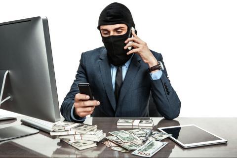 НЭС AllChargeBacks.ru предупреждает: банки часто становятся партнерами финансовых аферистов