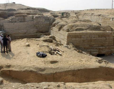 Польские археологи обнаружили в древнем городе в Египте высотный дом