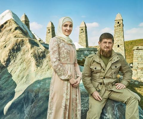 Дочь Рамзана Кадырова Айшат провела в Москве показ новых нарядов от чеченского Дома моды Firdaws – столичные знаменитости в восторге, фото, видео