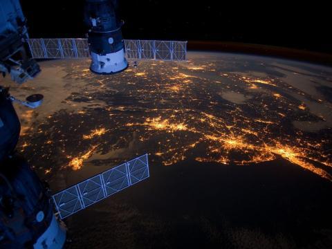 SpaceX запустила 60 интернет-спутников Starlink