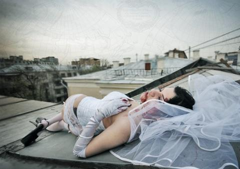Жених закатил невесте пощечину за безобидную шалость на свадьбе