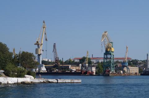 Все акции морского завода в Севастополе, принадлежавшего Порошенко, перейдут в собственность РФ