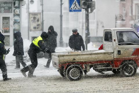 Снегопад во Владивостке