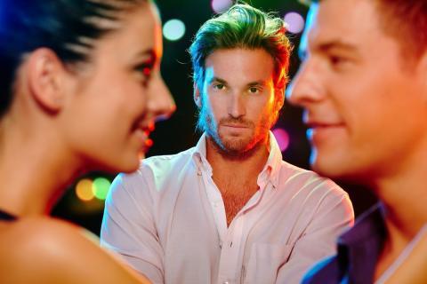 5признаков, покоторым можно понять, чтоперед вами завистливый человек