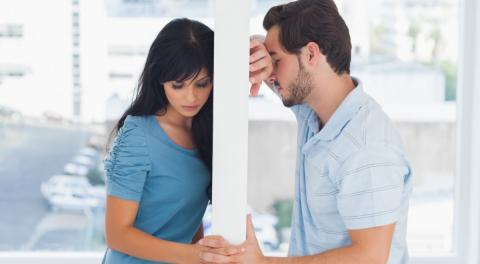 Психологи определили самый тяжелый для человека тип расставаний