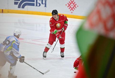 Сборные на ЧМ по хоккею выразили солидарность команде Белоруссии