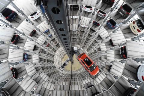 Автодилеры сообщили о подорожании машин в России