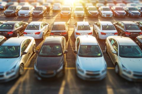 """Какой автомобиль лучше приобрести в период кризиса рассказали в """"Автостате"""""""