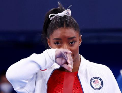 Симона Байлз гимнастка из США