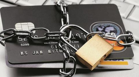 России грозит блокировка платежных систем из-за санкций