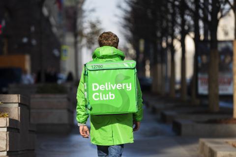 Delivery Club обещает рассчитаться с курьерами