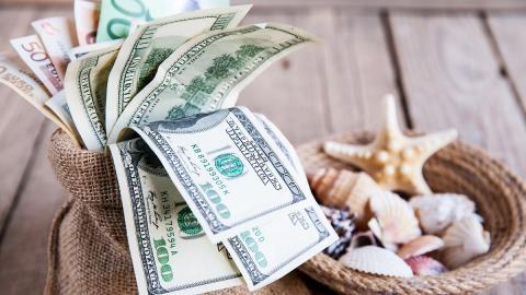 Законы денег, которые нужно запомнить и соблюдать, чтобы стать богатым