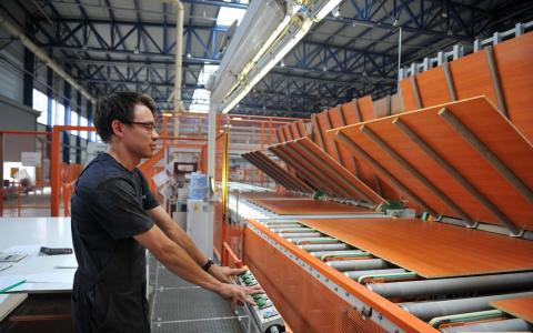 Минпромторг хочет ограничить экспорт ДСП из-за мебельного бума