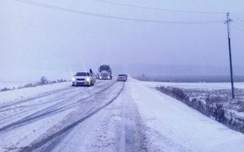Трасса зимой в Астраханской области