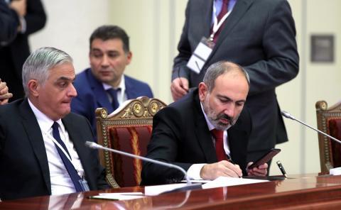 Генштаб ВС Армении требует отставки премьер-министра и правительства